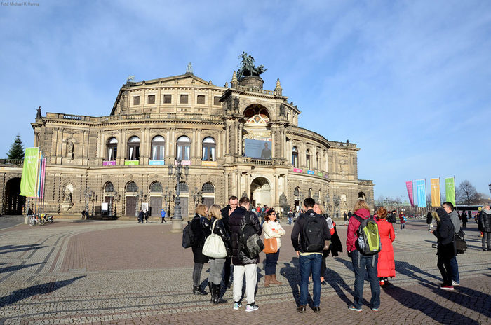 Dresden Semperoper Theaterplatz